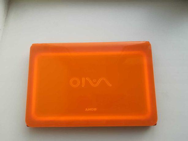 Ноутбук Sony Vaio оранжевый