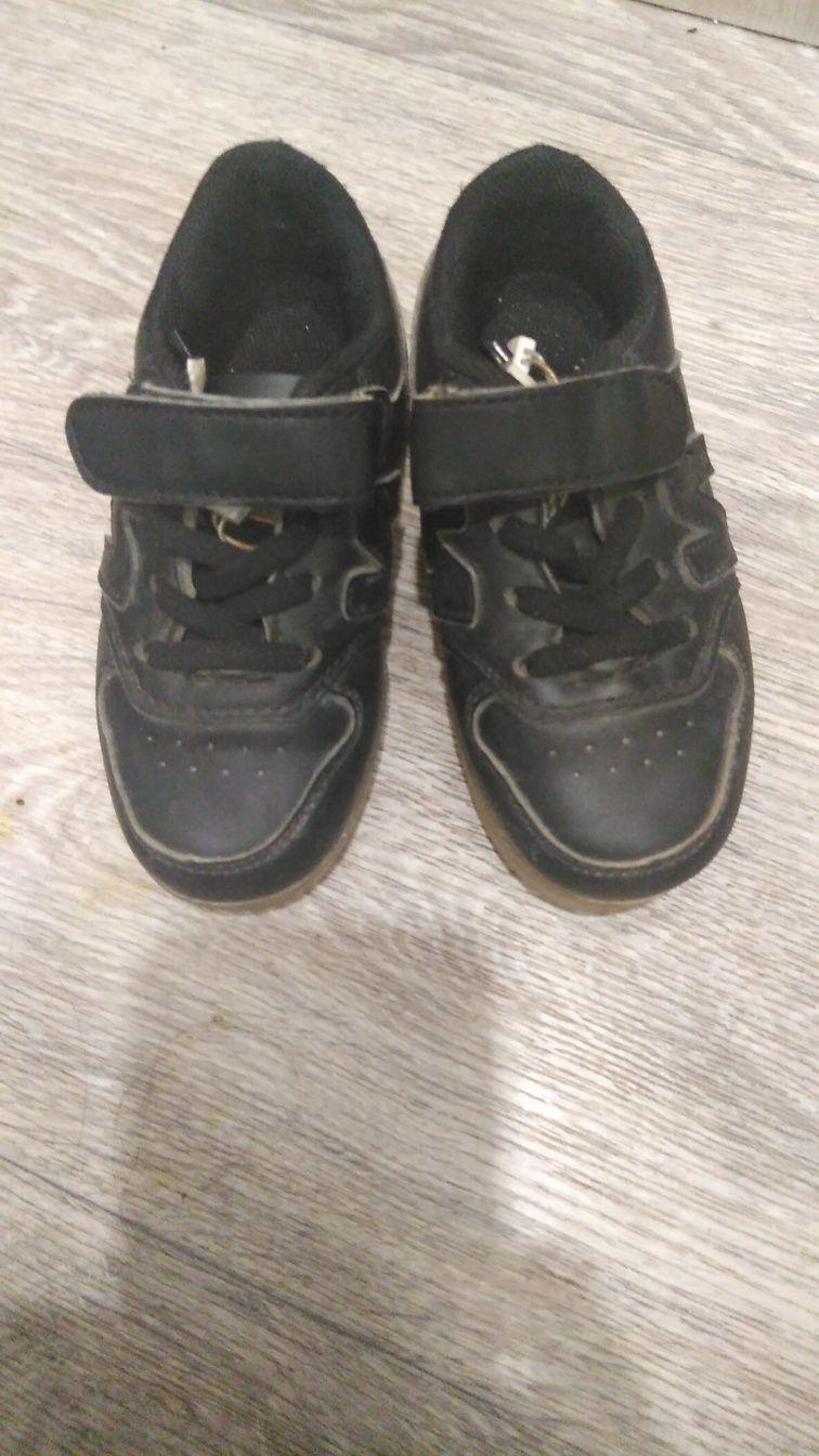 Отдам обувь на мальчика
