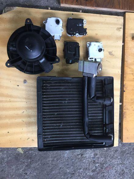 Nissan navara 2008 2.5d парно-мотор,радиатор и модули