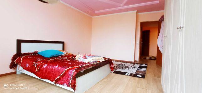 двух спальный кровать
