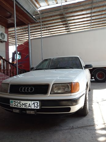 Audi  c4  100 ..