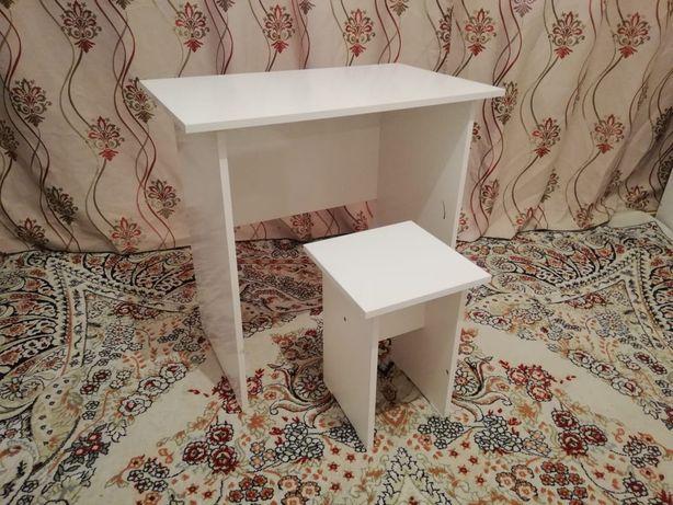 Парта, стол новый