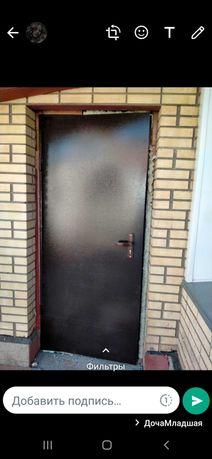 Железные двери .