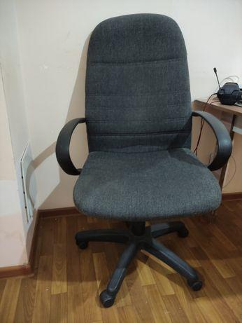 Продам кресло офисное 3500
