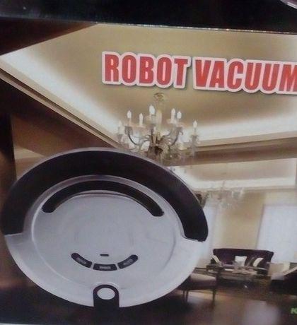 Новый в упаковке фирменный робот пылесос