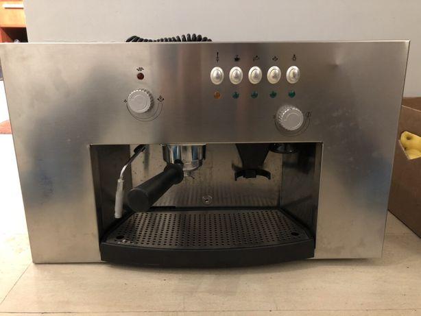 Встраиваемая кофемашина