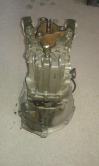 Cutie viteze bmw f30 motor 318d Simnicu de Sus - imagine 1