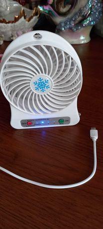 Вентилятор с фонариком. Новый.