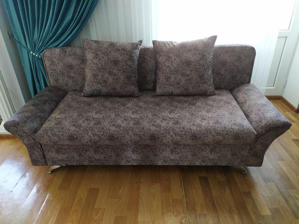 Диван, мягкая мебель, стильный диван.