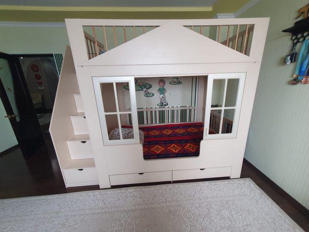 Срочно продам детскую 2 х ручную кровать
