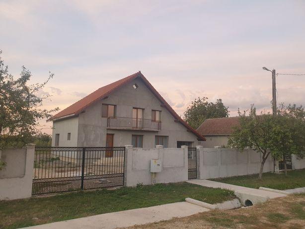 Casa com. MADARAS