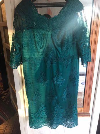 Официална дамска рокля - тъмно зелена, дантелена, размер 58