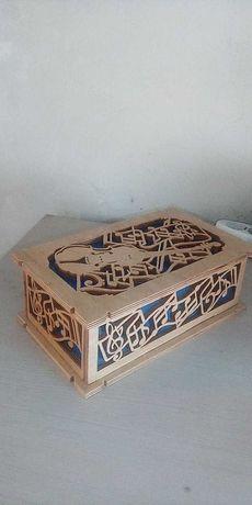 cutie pentru bijuterii cu capac