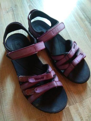 Уникални детски сандалки- Teva