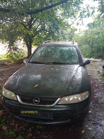 Dezmembrez Opel Vectra 1.6, benzina, din 2003
