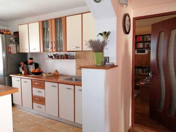 Vand apartament 3 camere, Piata Mare