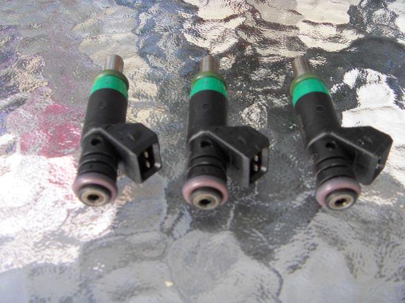 Дюзи / инжектори бензинови за двигател на Ford 1,6i