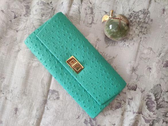 Клъч/мини чанта/портмоне в резедаво/зелено