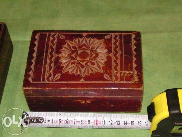 Продавам дьрвена кутия орех с дьрворезба