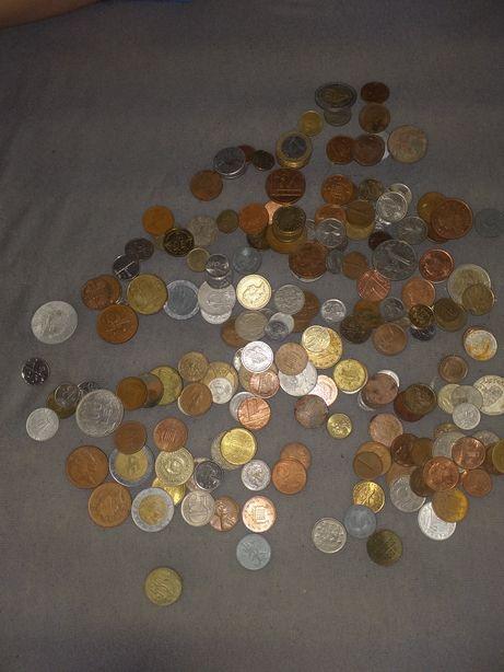 Lot 150-200 monede de colectie
