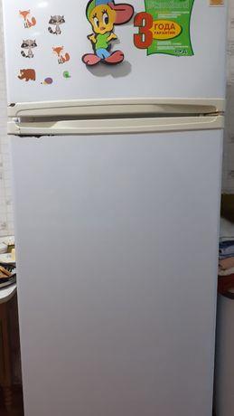 Б/у Холодильник в хорошем состояний
