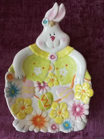 Декоративна керамична чиния