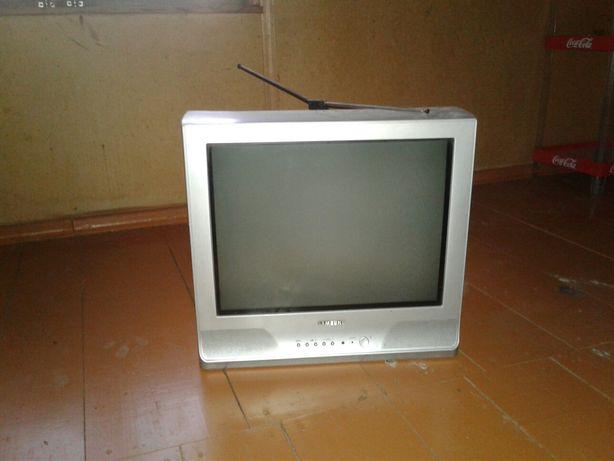Продам 2 б/у телевизора по 5 000 тенге каждый