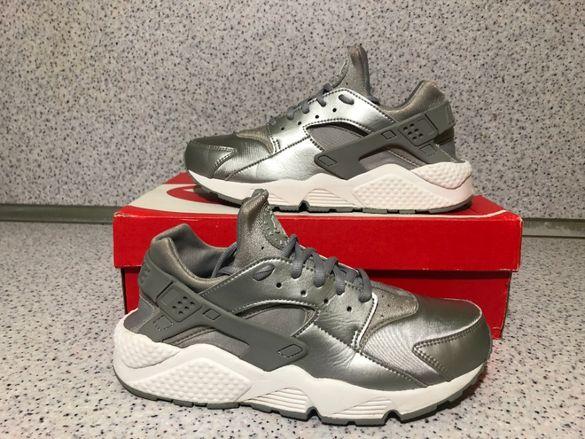 ОРИГИНАЛНИ *** Nike Air Huarache Run Se / Metallic Silver