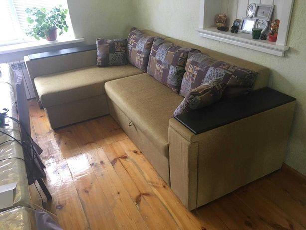 Угловой раздвижной диван для гостиной