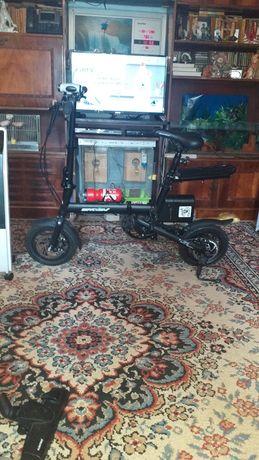 Bicicleta electrică nouă DAT EV sau SCHIMB!