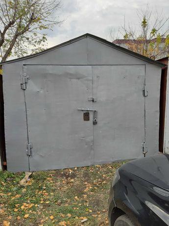 Продам Железный гараж в центре
