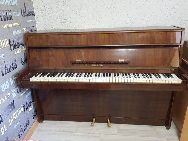 Продам фортепиано PETROF