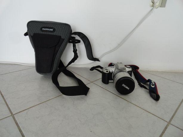 Aparat foto pe film Canon EOS 500N cu obiectiv SIGMA 28-200mm