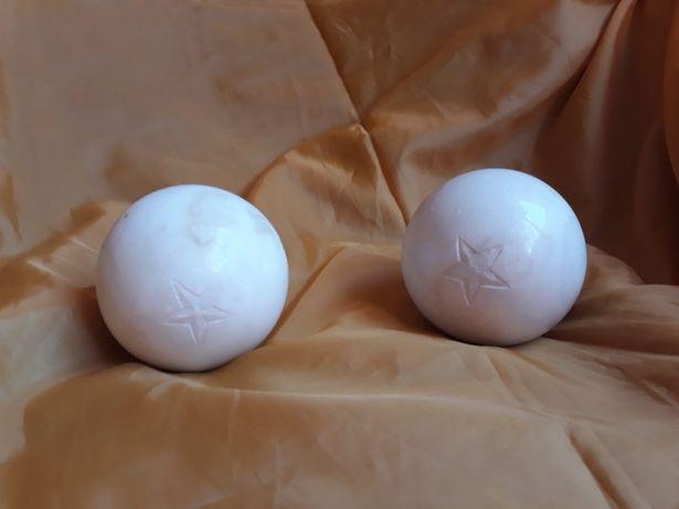 Vand 2 sfere/bile vintage din marmura sculptate manual cu stele