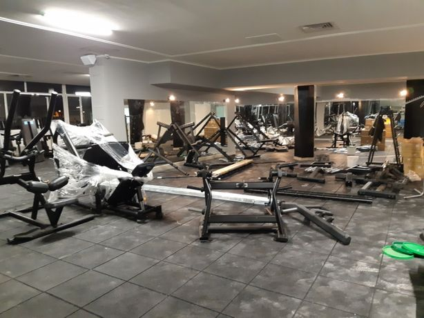 Montam aparate fitness sala fitness