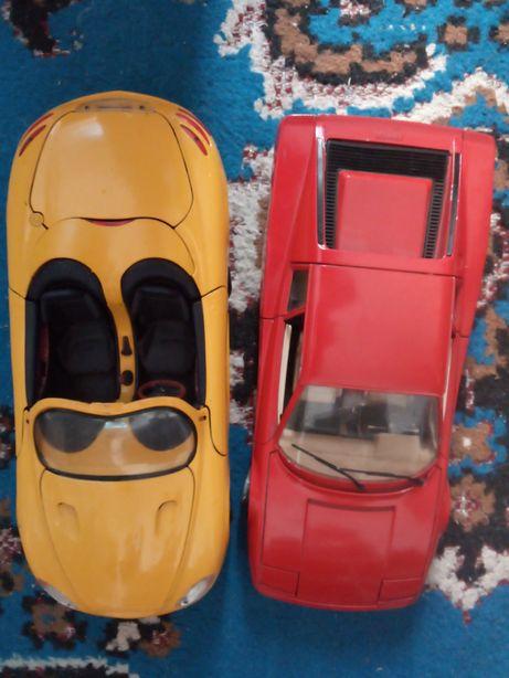 Mașinuțe metalica, Mustang și Ferrari