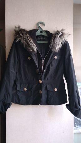 Куртка весна осень .