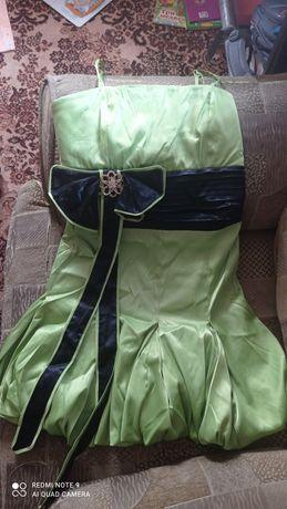 Платья атласные 42-44размер