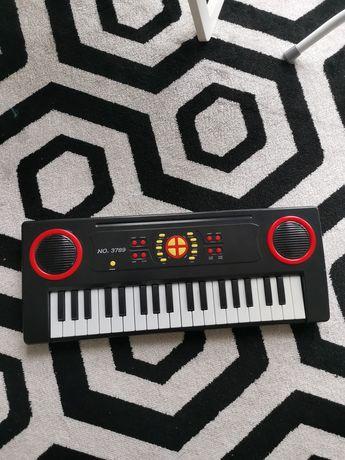 Детско пиано/йоника/ синтезатор