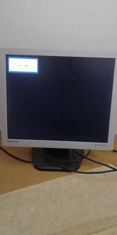 Продам монитор самсунг бу рабочий нижний кнопка не работает
