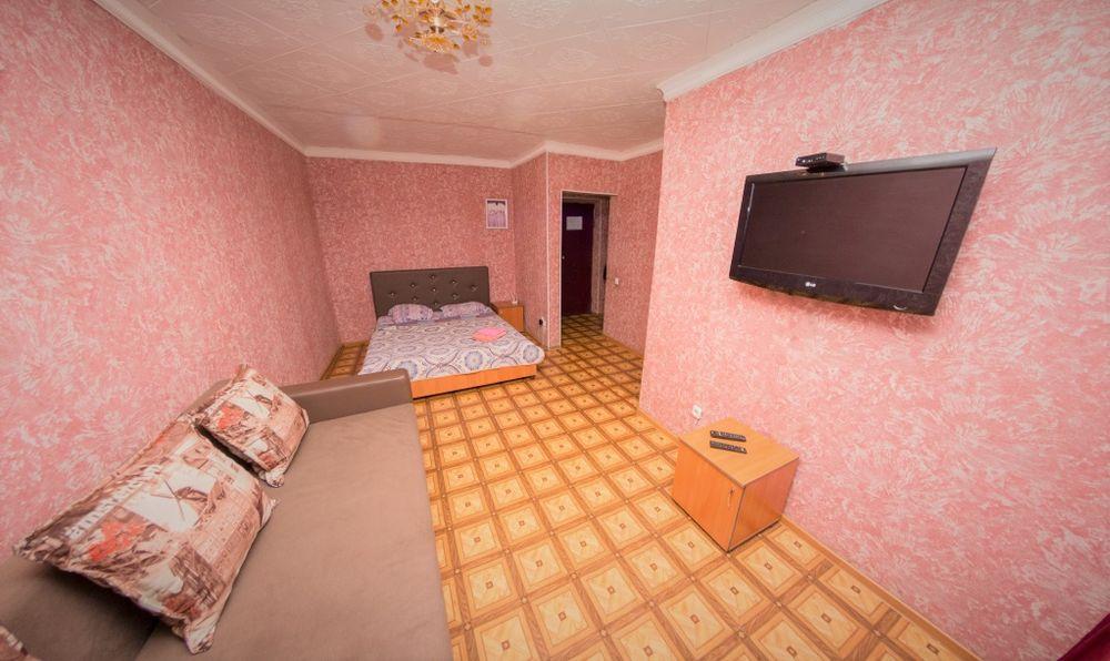 Однакомнатная Квартира Почасам в Центре города. КТВ / Wi-Fi. Петропавловск - изображение 1