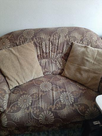Продам диван малый