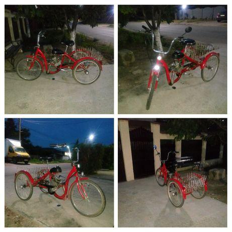 Vând bicicleta cu motor (triciclu)