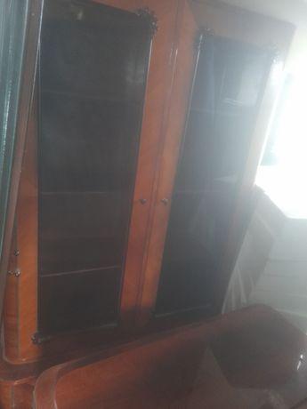 Vând mobilă pentru sufragerie de funir,preț 650 de lei tot!!!