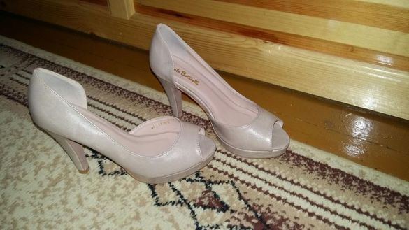 Дамски бежови обувки