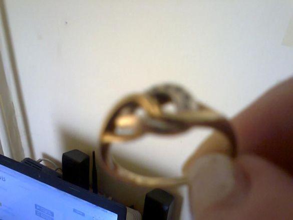 Златни пръстени и сребърна гривна