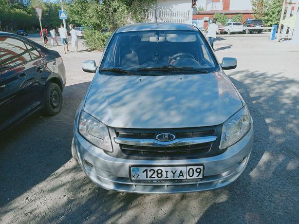 Продаю машину Lada Granta