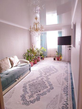 В связи с переездом продается 3 - комнатная квартира в 3 мкр 21 доме