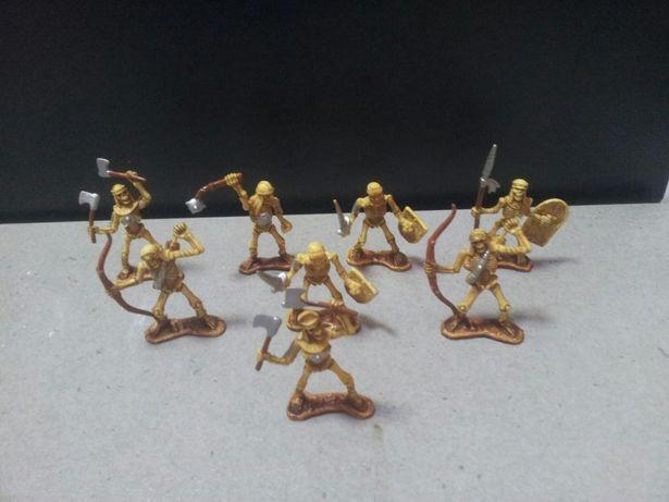 Armata lot set jucarii machete schelete colorate