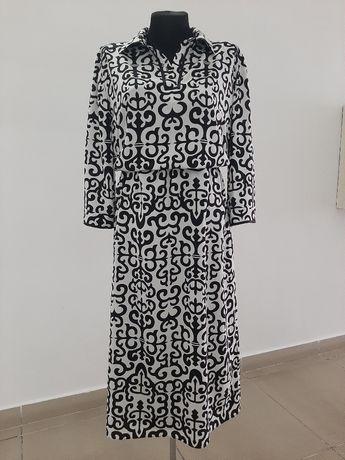 Новое стилизованное платье 48р
